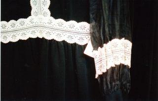 Flutterblacklace