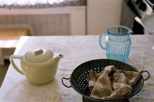 Teapotandbluepitcherabby