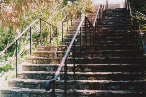 6lgstairs