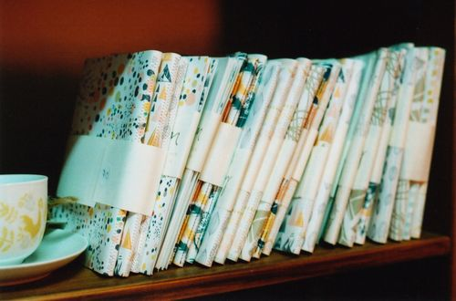 Notebooks_on_shelf