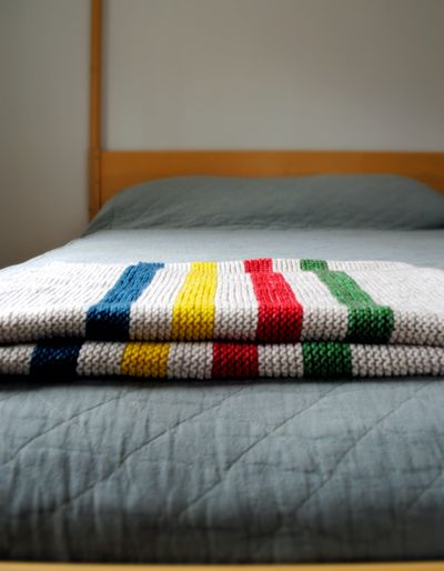 Hudson-bay-blanket-1-425