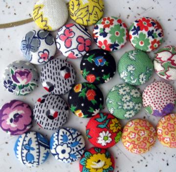 Buttonsforpins